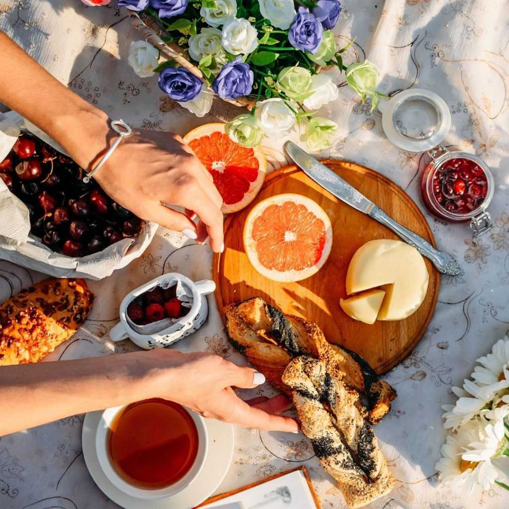 Galentine's Day Ideas: Picnic in the Park